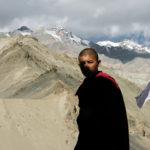 Взгляд из тени. Монах в монатыре Ладакха. Лица Индии - Kartzon Dream - тревел фото, тревел видео, авторские путешествия, фототуры