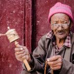Om mani padme hum. Мужчина в Ламаюру. Женщина из деревни Дамкар. Лица Ладакха, Индия