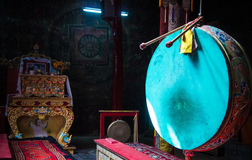 Чемре гомпа, молитвенный зал