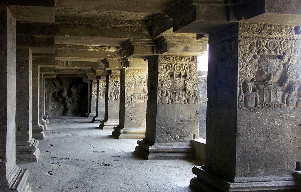Скальные храмы Эллоры