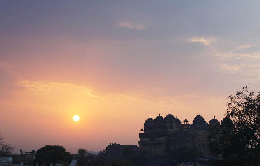 Закат в Орчхе, Индия