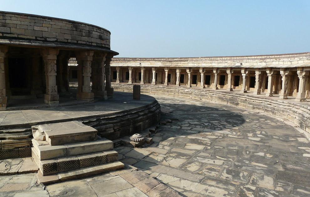Храм Чаусат Йогини