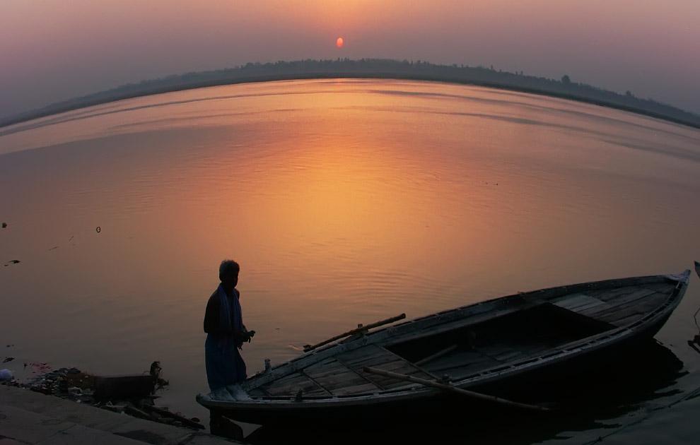 Варанаси (Бенарес), рассвет на Ганге, Индия. Туры в Индию