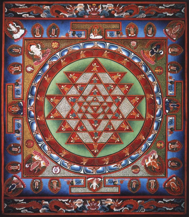 Шри Янтра, Астха Мудра (санскр.), Ваджракила (санскр. Пхурба). Типичный неварийский стиль, минеральные цвета и жидкое золото